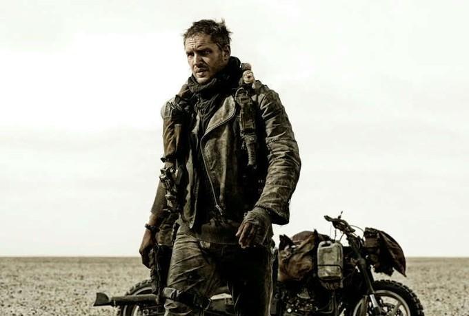Tom Hardy som vägkrigaren Mad Max