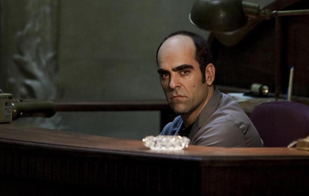 Cesar (Luis Tosar) förpestar sin omgivning så mycket det bara går!