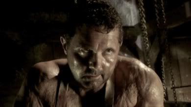 Kane Hodder som Ed Gein