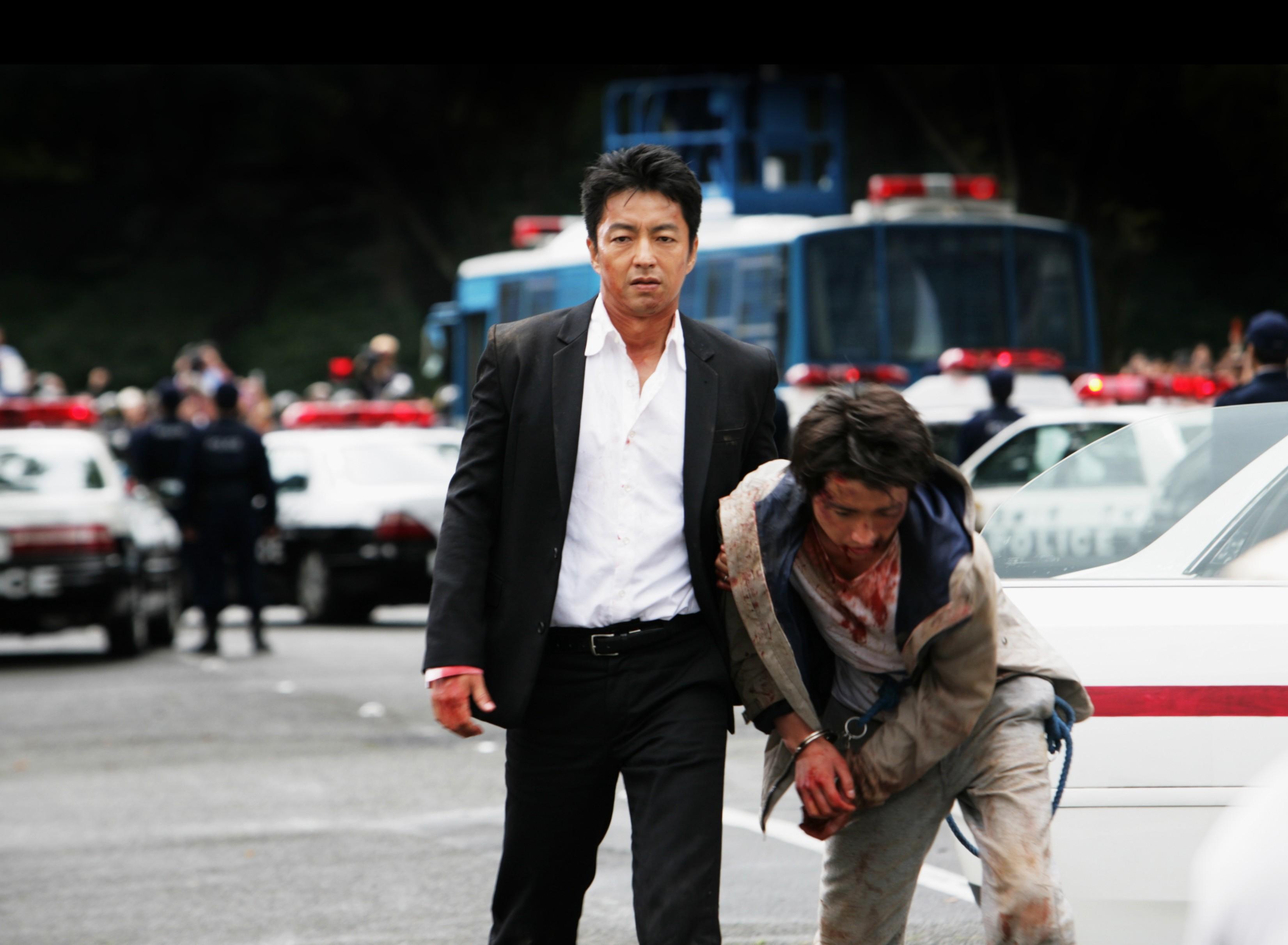 Takao Oshawas sammanbitne snut och Tatsuya Fujiwaras otäcke pedofil