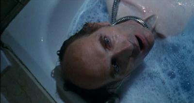 Trist trots heta badkarsscener...