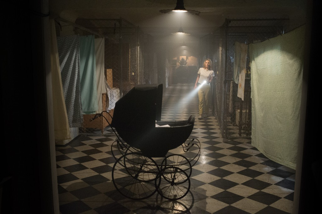 Oj! Någon har glömt en barnvagn i källaren...