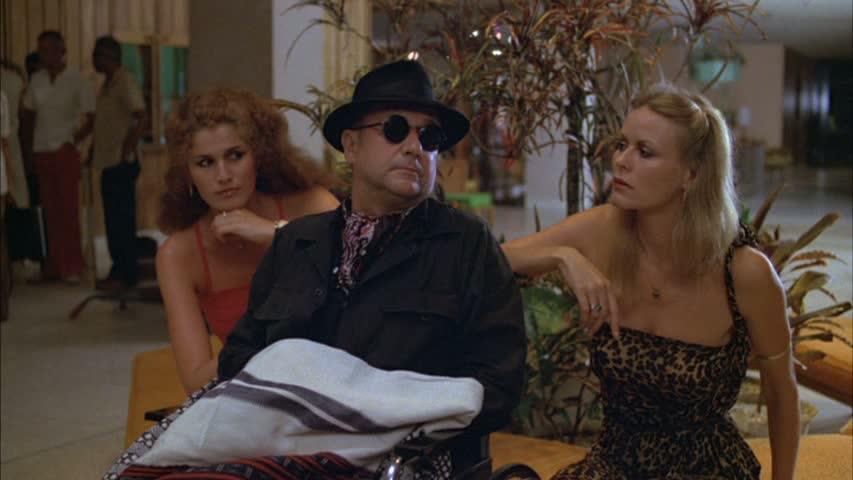 Donald Pleasance jagar inte enbart Michael Myers, ibland hänger han med vackra damer och letar guld i Amazonasdjungeln.