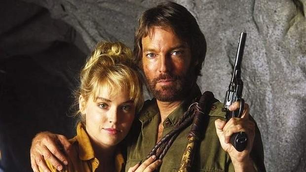 """Sharon Stone och Richard Chamberlain i """"King Solomon's Mines"""" från 1985."""