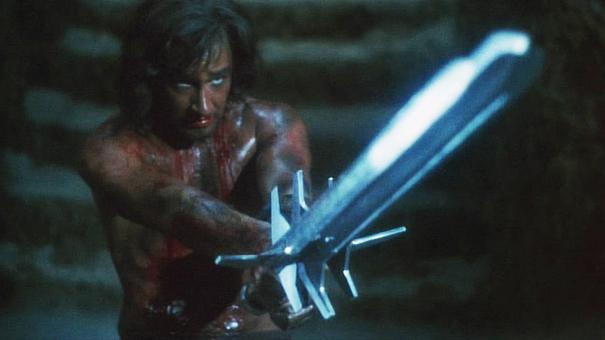 Talon (Lee Horsley) med sitt tre-eggade svärd.