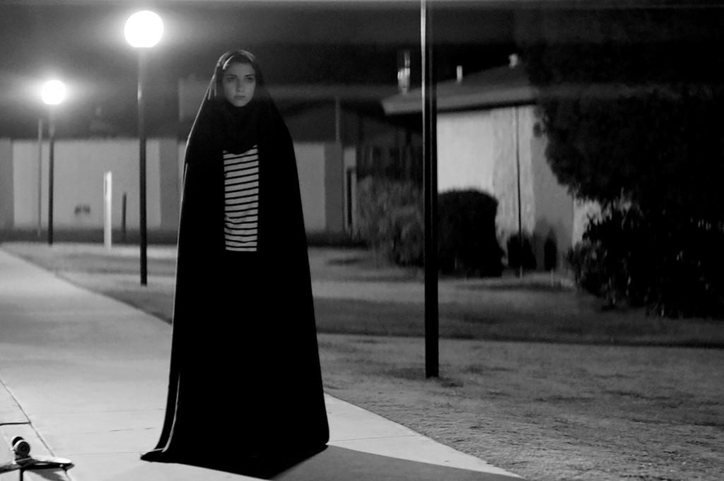 Den mystiska kvinnan (Sheila Vand)...