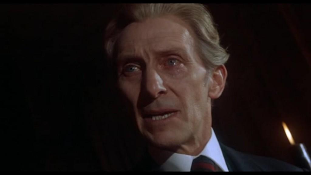 Den alltid så sevärda Peter Cushing dyker upp i en episod av Hospitalet