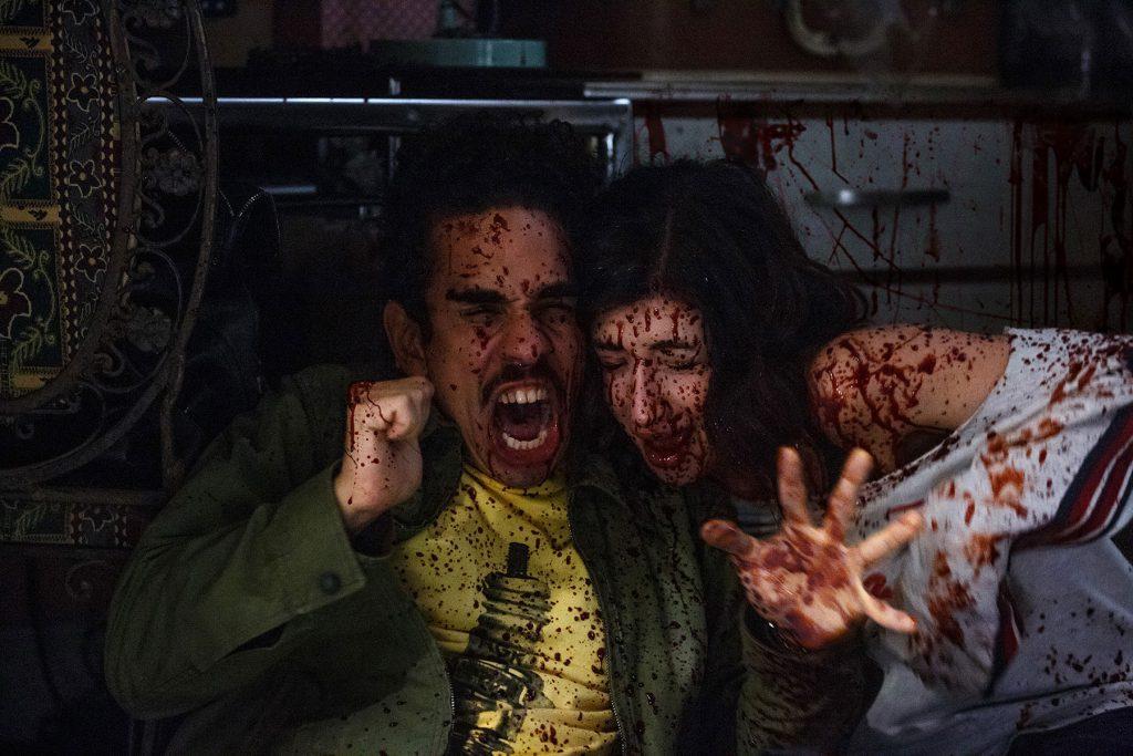 Vännerna Pablo (Ray Santiago) och Kelly (Dana DeLorenzo).