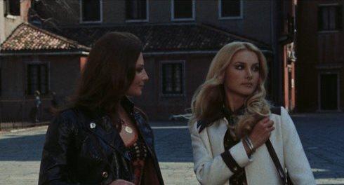 Rosalba Neri och Barbara Bouchet i Amuck (1972)