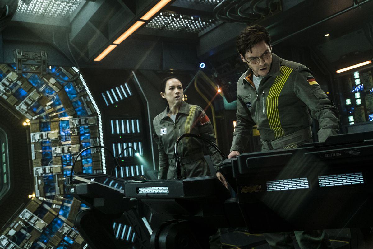 Ziyi Zhang och Daniel Brühl - två av filmens multinationella astronauter