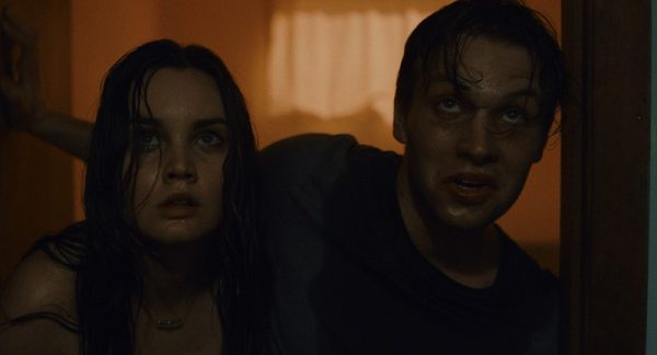 Visst är man rätt van med att karaktärer i skräckfilmer tar dåliga beslut, men någon ordning får det väl vara?